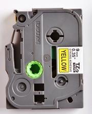 TZe-S621 - žlutá/černý tisk, extrémně adhezivní, 9 mm - 2