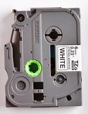 TZe-S211 - bílá/černý tisk, extrémně adhezivní, 6 mm - 2