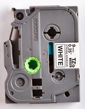 TZe-S221 - bílá/černý tisk, extrémně adhezivní, 9 mm - 2